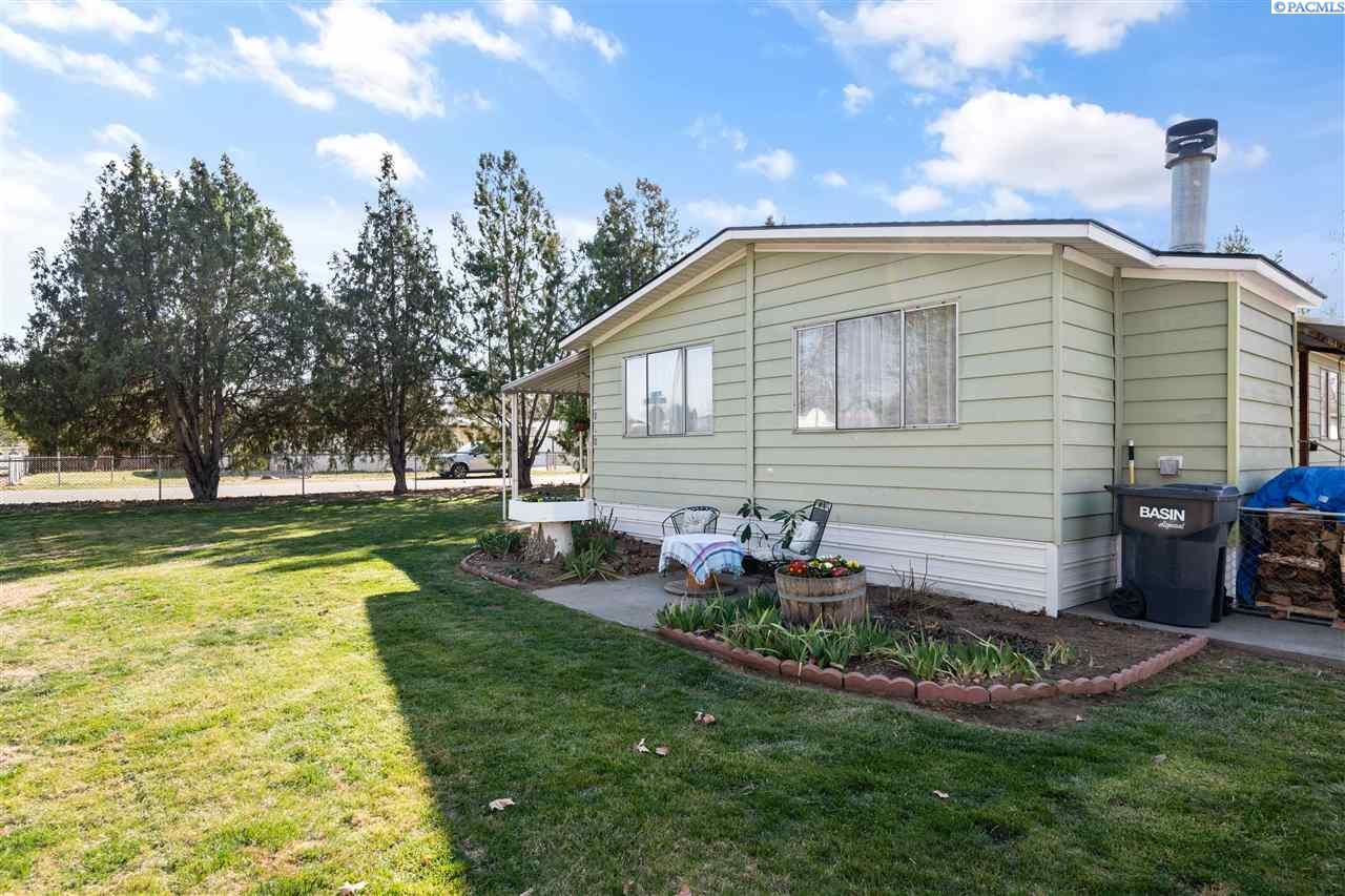 Manufactured Home for Sale at 6060 Jamison Street West Richland, Washington 99353 United States