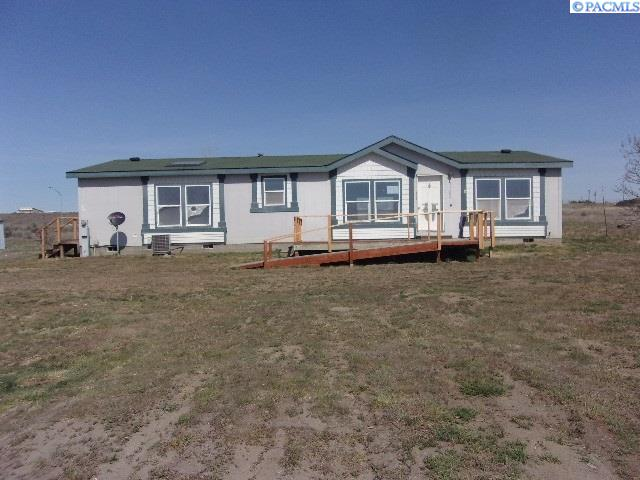 Manufactured Home for Sale at 71206 E Blue Sky Pr SE Plymouth, Washington 99346 United States