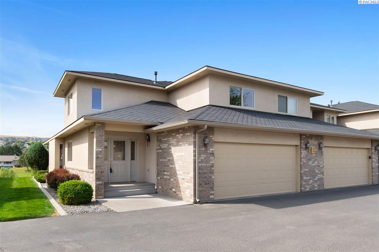 Condominiums for Sale at 3710 Canyon Lakes Dr. E-101 Kennewick, Washington 99337 United States