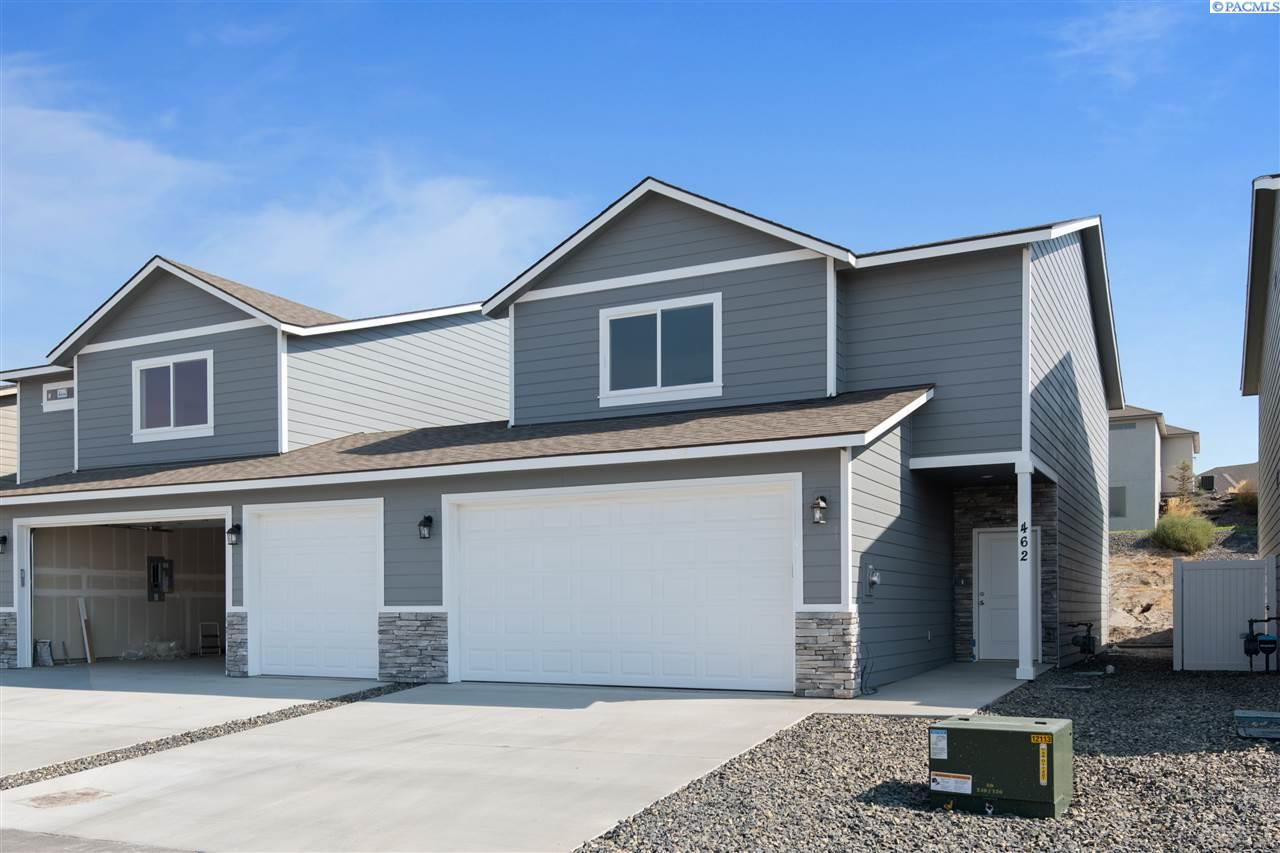 Single Family Homes for Sale at 462 Bedrock Loop West Richland, Washington 99353 United States