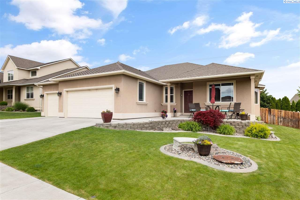 Single Family Homes for Sale at 3403 S Volland Street Kennewick, Washington 99337 United States