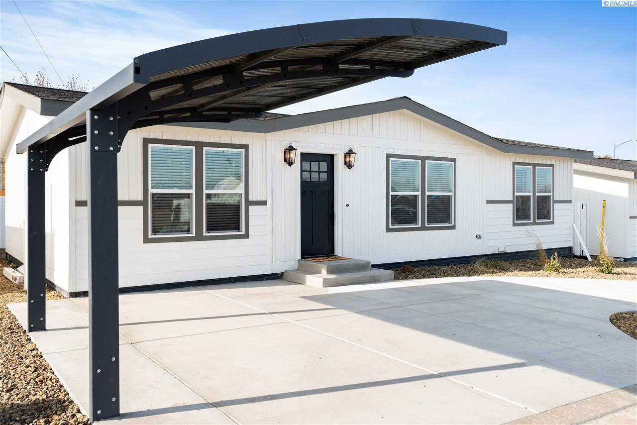 Manufactured Home for Sale at 1166 N Harrison Place Kennewick, Washington 99336 United States