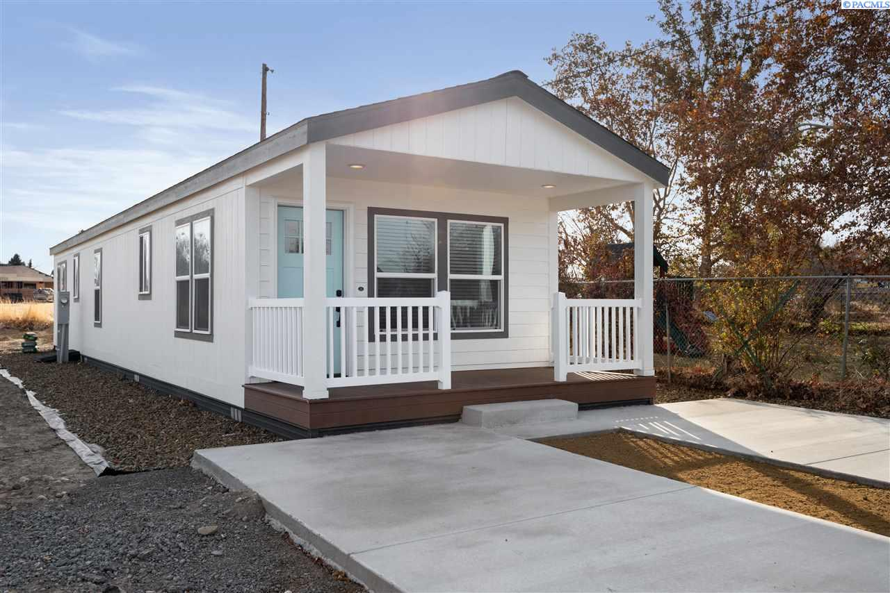 Manufactured Home for Sale at 1105 N Harrison Place Kennewick, Washington 99336 United States