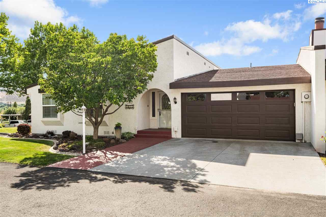 Single Family Homes for Sale at 2033 Venturi Court Richland, Washington 99352 United States