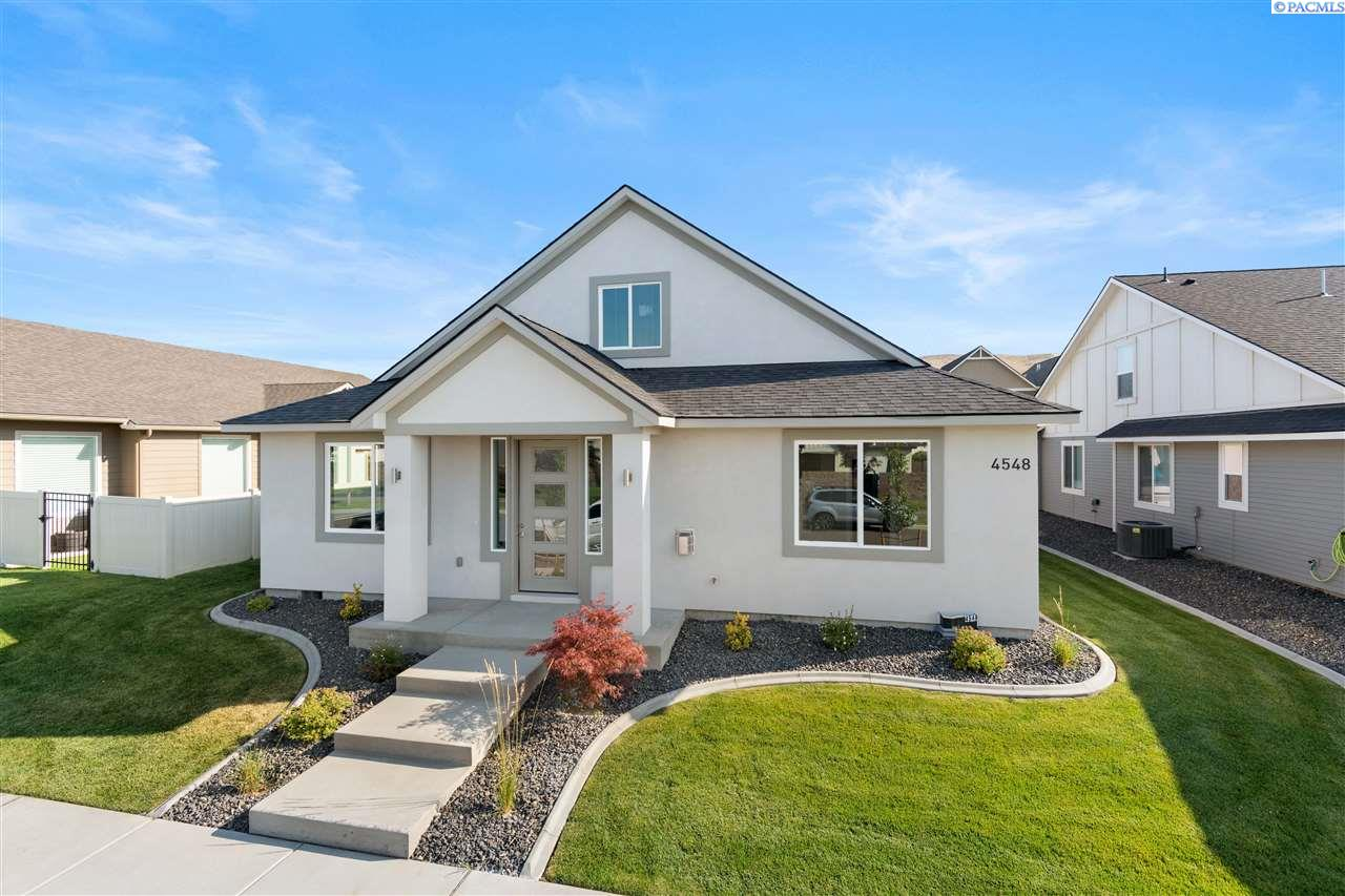 Single Family Homes for Sale at 4548 Ava Way Richland, Washington 99352 United States