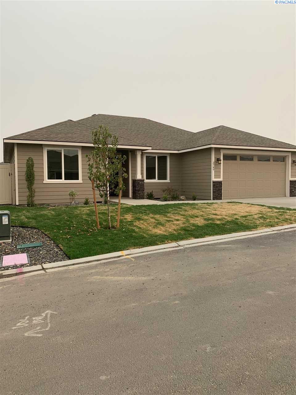 Single Family Homes for Sale at 3725 S Taft Street Kennewick, Washington 99338 United States