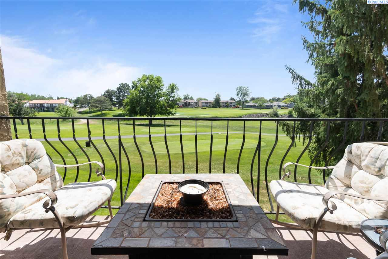 Condominiums for Sale at 303 Gage Blvd Richland, Washington 99352 United States