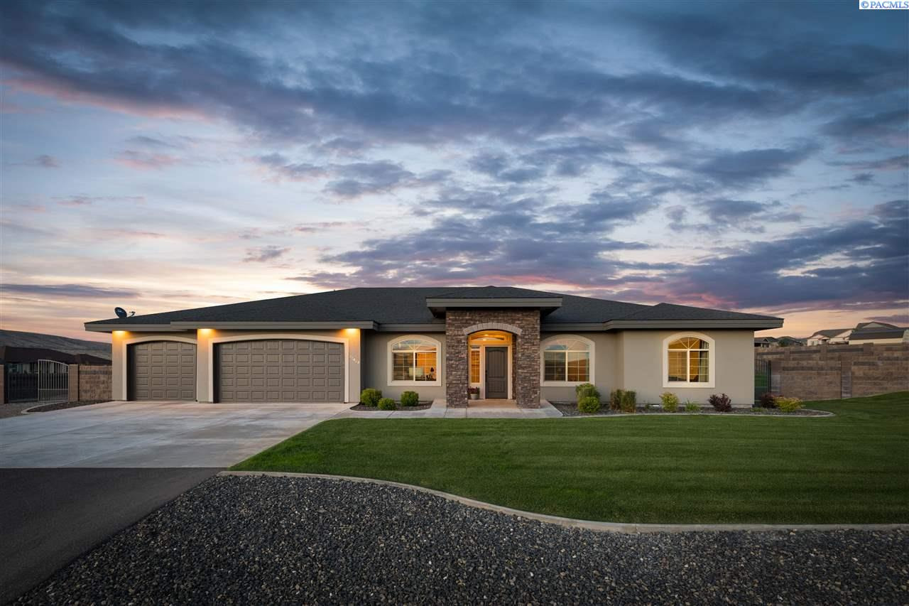 Single Family Homes for Sale at 72404 E Reata Road Kennewick, Washington 99338 United States