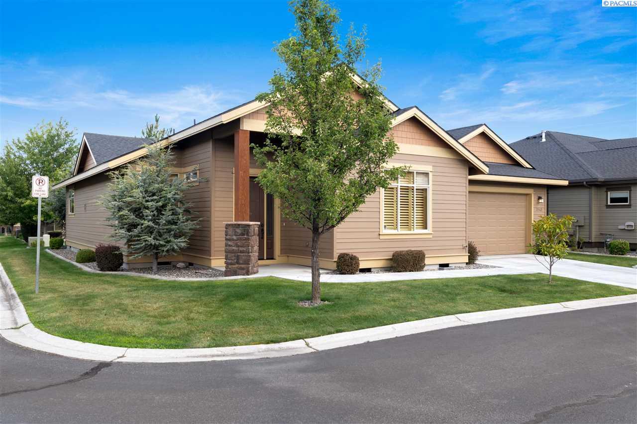 Single Family Homes for Sale at 2562 Magnolia Court Richland, Washington 99354 United States