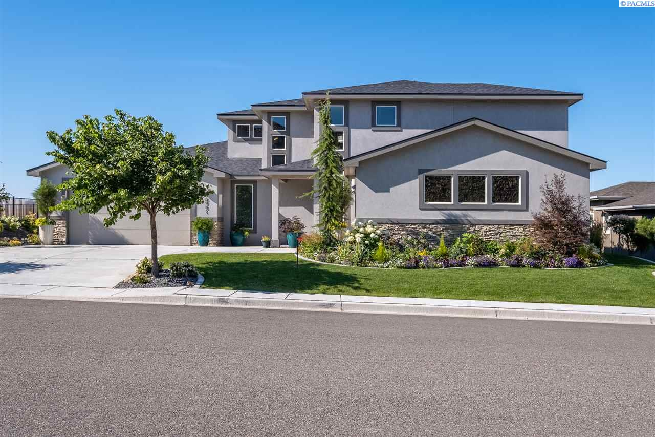 Single Family Homes for Sale at 6981 W 23rd Court Kennewick, Washington 99338 United States