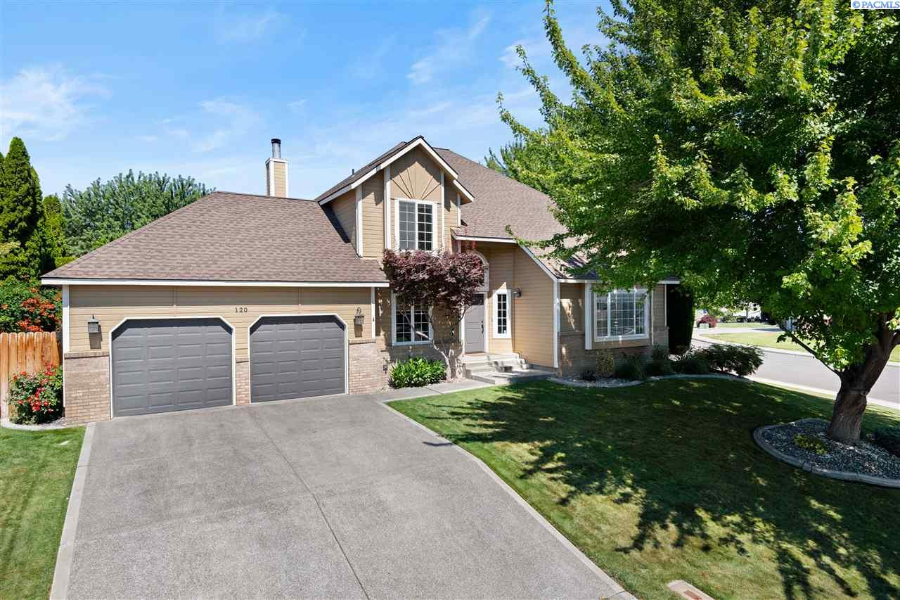 Single Family Homes for Sale at 120 Bebb Court Richland, Washington 99352 United States