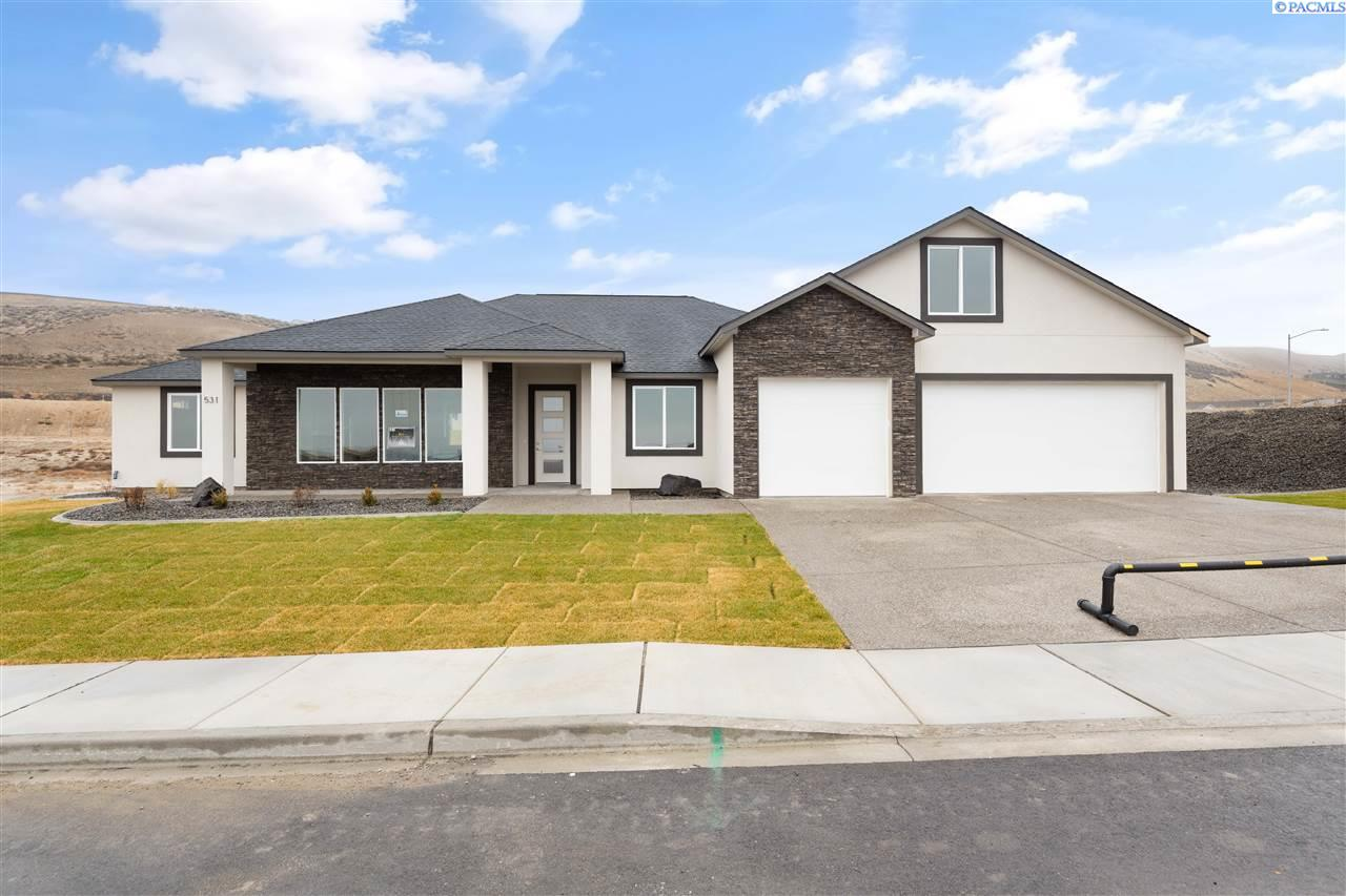 Single Family Homes for Sale at 531 Summerview Lane Richland, Washington 99352 United States