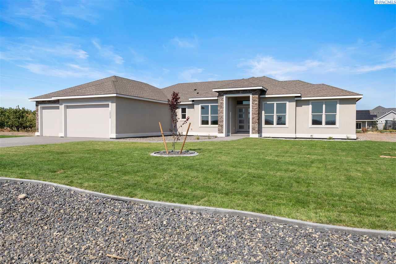 Single Family Homes for Sale at 12529 HUNTER ROAD Pasco, Washington 99301 United States