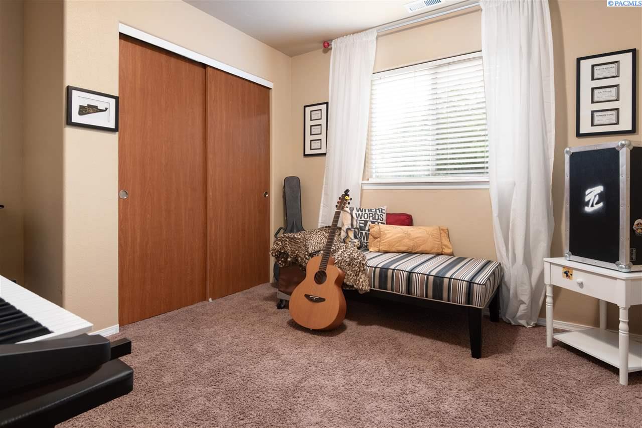Additional photo for property listing at 1527 Sacajawea Avenue Richland, Washington 99352 United States