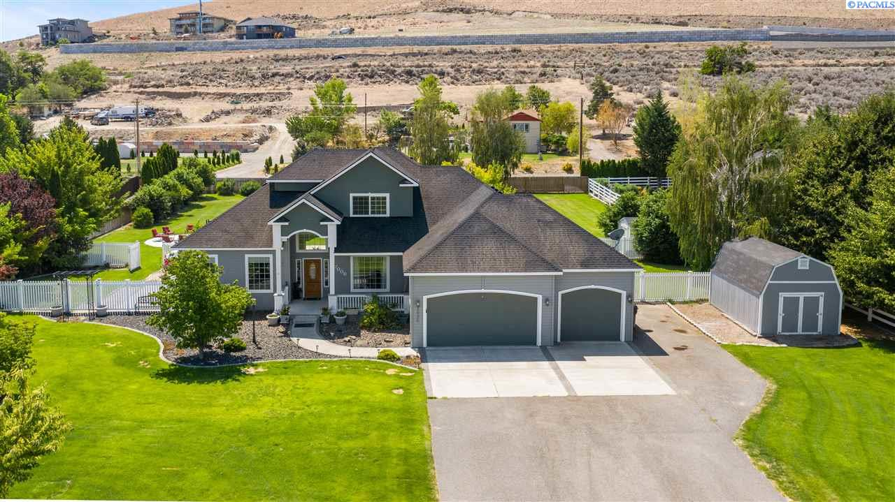Single Family Homes for Sale at 7006 Glenbrook Loop West Richland, Washington 99353 United States