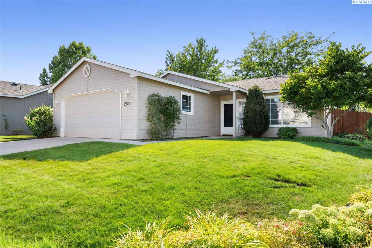 Single Family Homes for Sale at 2313 N Pittsburgh Street Kennewick, Washington 99336 United States
