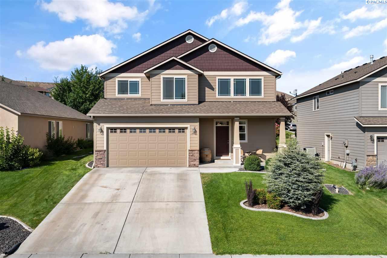 Single Family Homes for Sale at 1435 Azalea Avenue Richland, Washington 99352 United States