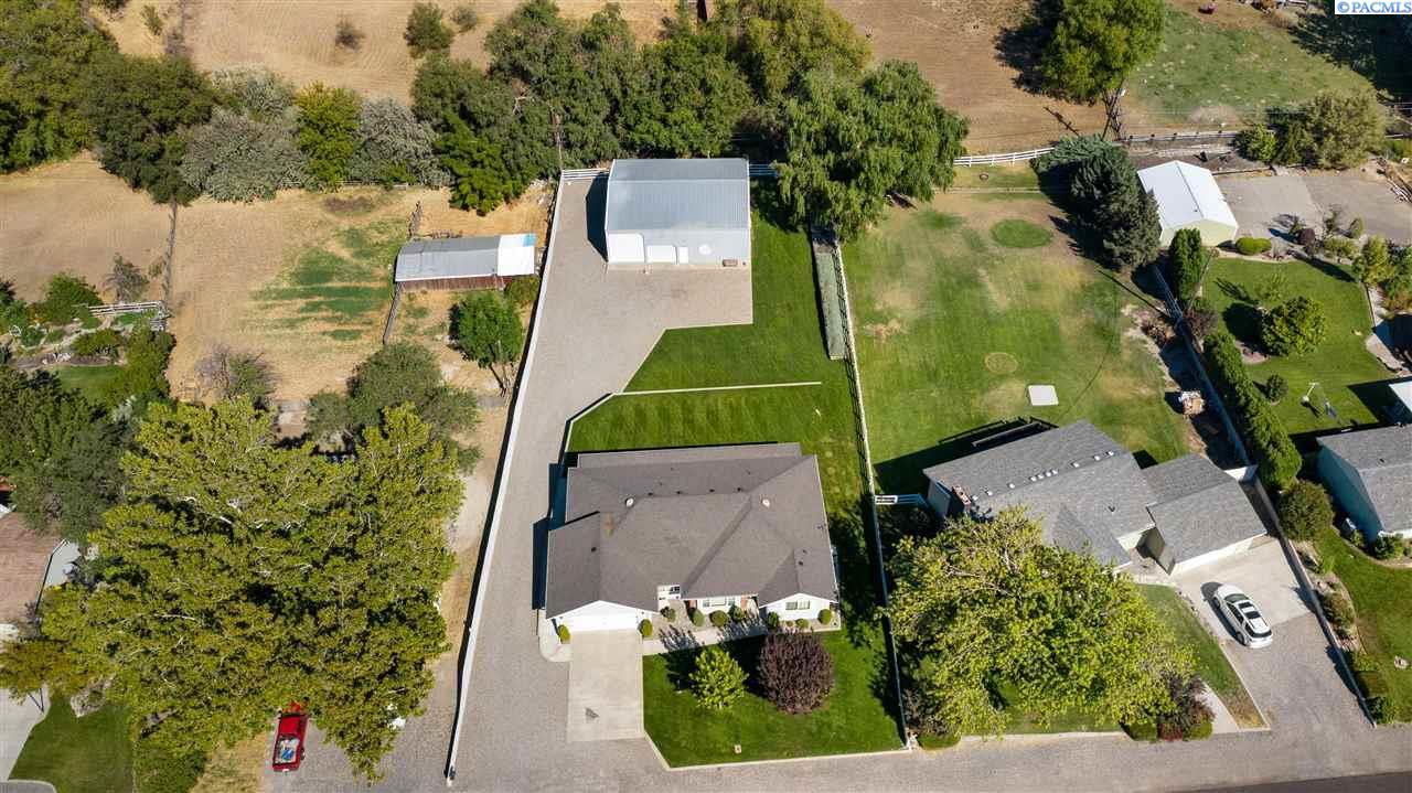 Single Family Homes for Sale at 3311 S Garfield Street Kennewick, Washington 99337 United States
