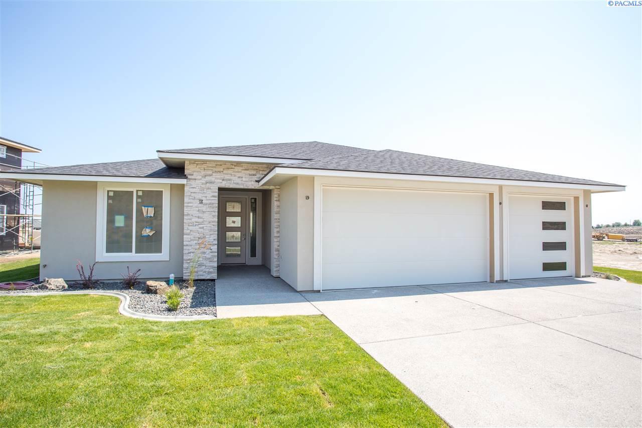 Single Family Homes for Sale at 1826 Sicily Lane Richland, Washington 99352 United States