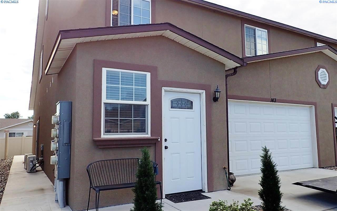 Single Family Homes for Sale at 143 S Tweedt Place Kennewick, Washington 99336 United States