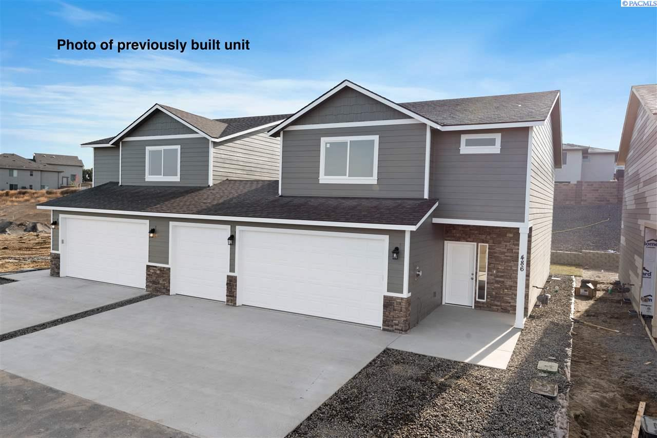 Single Family Homes for Sale at 420 Bedrock Loop West Richland, Washington 99353 United States