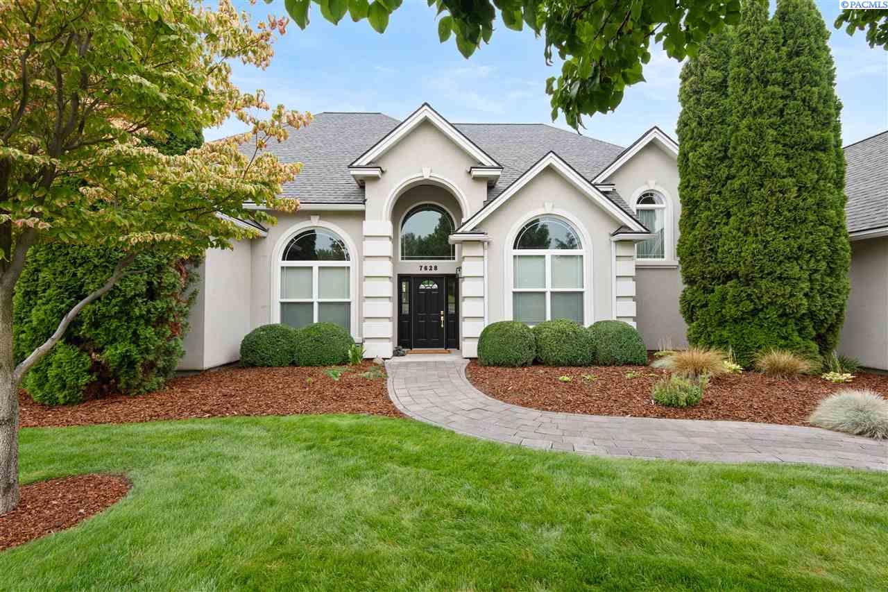 Single Family Homes for Sale at 7628 Sandy Ridge Pasco, Washington 99301 United States