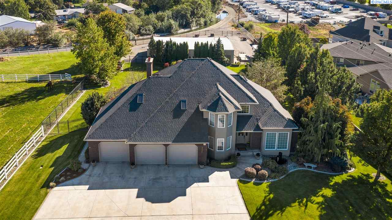 Single Family Homes for Sale at 5321 W 10th Avenue Kennewick, Washington 99338 United States