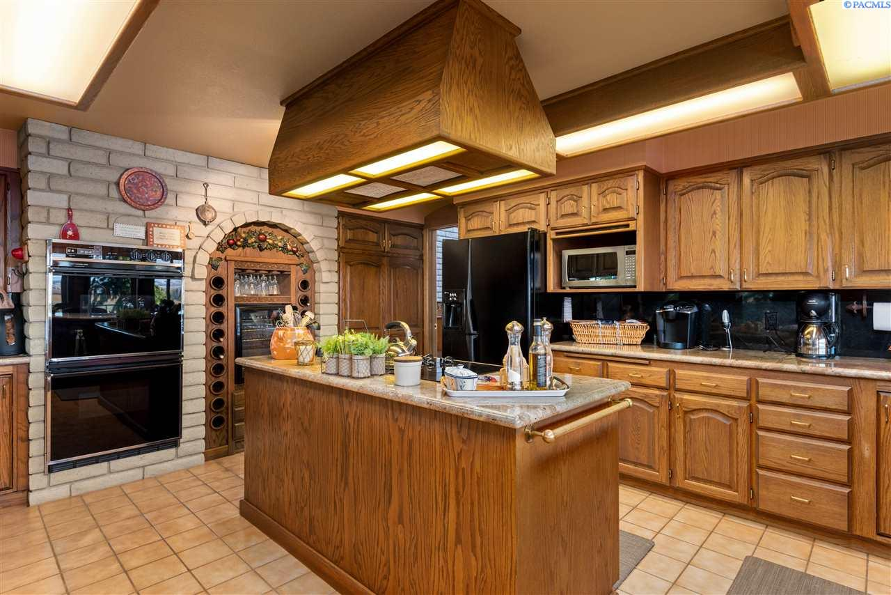 Additional photo for property listing at 632 W Merz Road Sunnyside, Washington 98944 United States