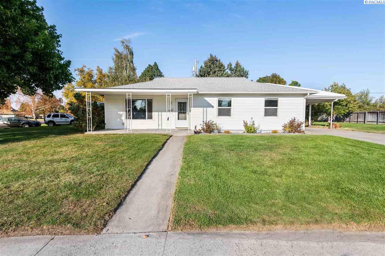 Single Family Homes for Sale at 1338 Sacramento Blvd Richland, Washington 99354 United States