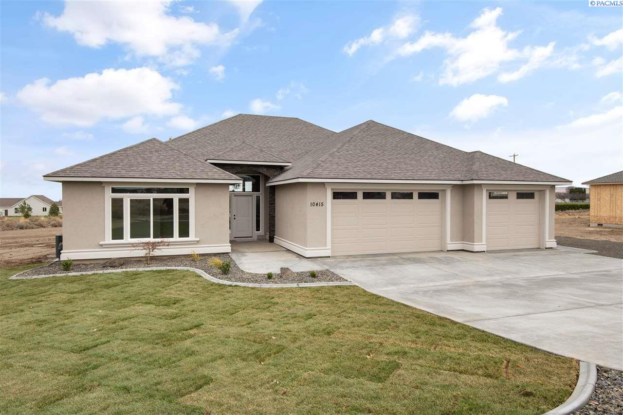 Single Family Homes for Sale at 10415 SUMMIT VIEW Court Kennewick, Washington 99338 United States