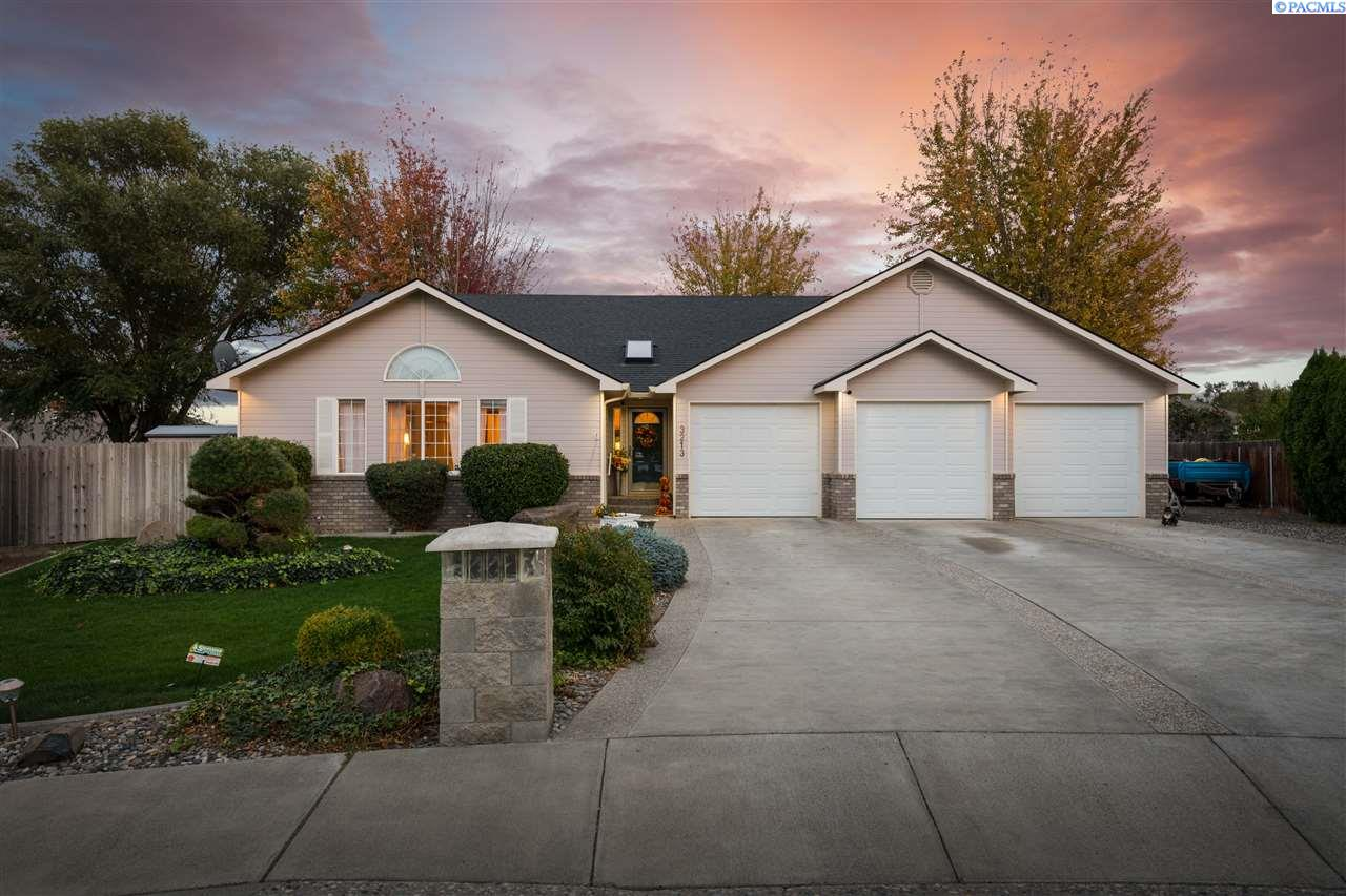 Single Family Homes for Sale at 3213 S Mayfield Court Kennewick, Washington 99337 United States