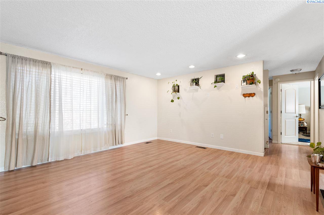 Additional photo for property listing at 6609 W Arrowhead Kennewick, Washington 99336 United States