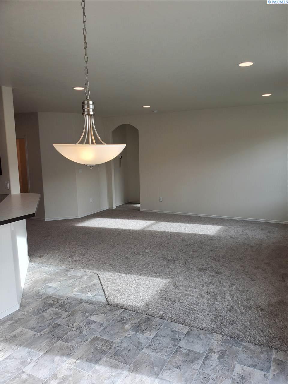 Additional photo for property listing at 533 Marysville Richland, Washington 99352 United States