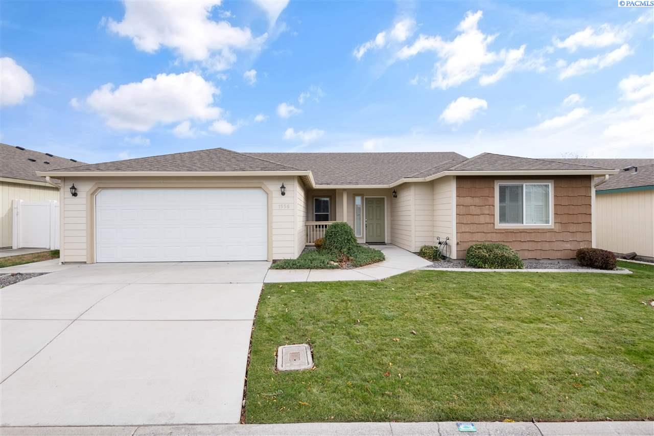 Single Family Homes for Sale at 1556 Larkspur Drive Richland, Washington 99352 United States