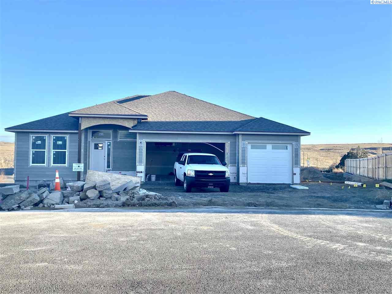 Single Family Homes for Sale at 1733 S CURRANT Street Kennewick, Washington 99338 United States