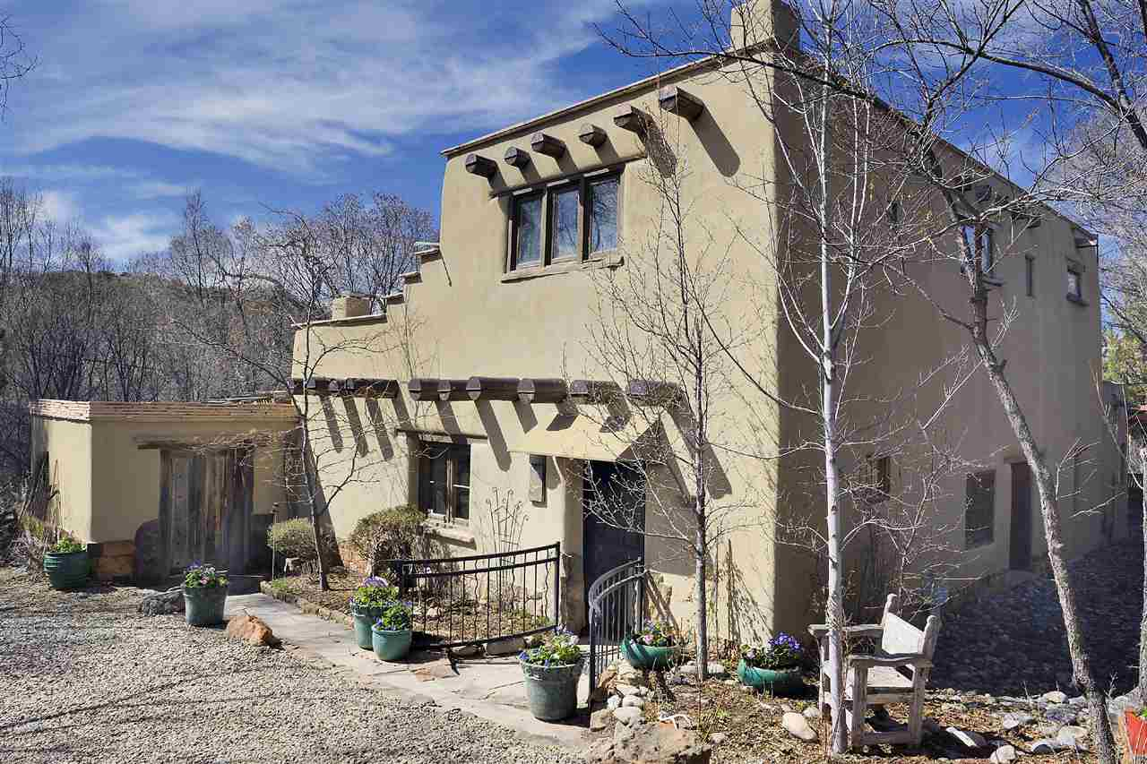 Tesuque hills gated community susan orth santa fe real for Santa fe home