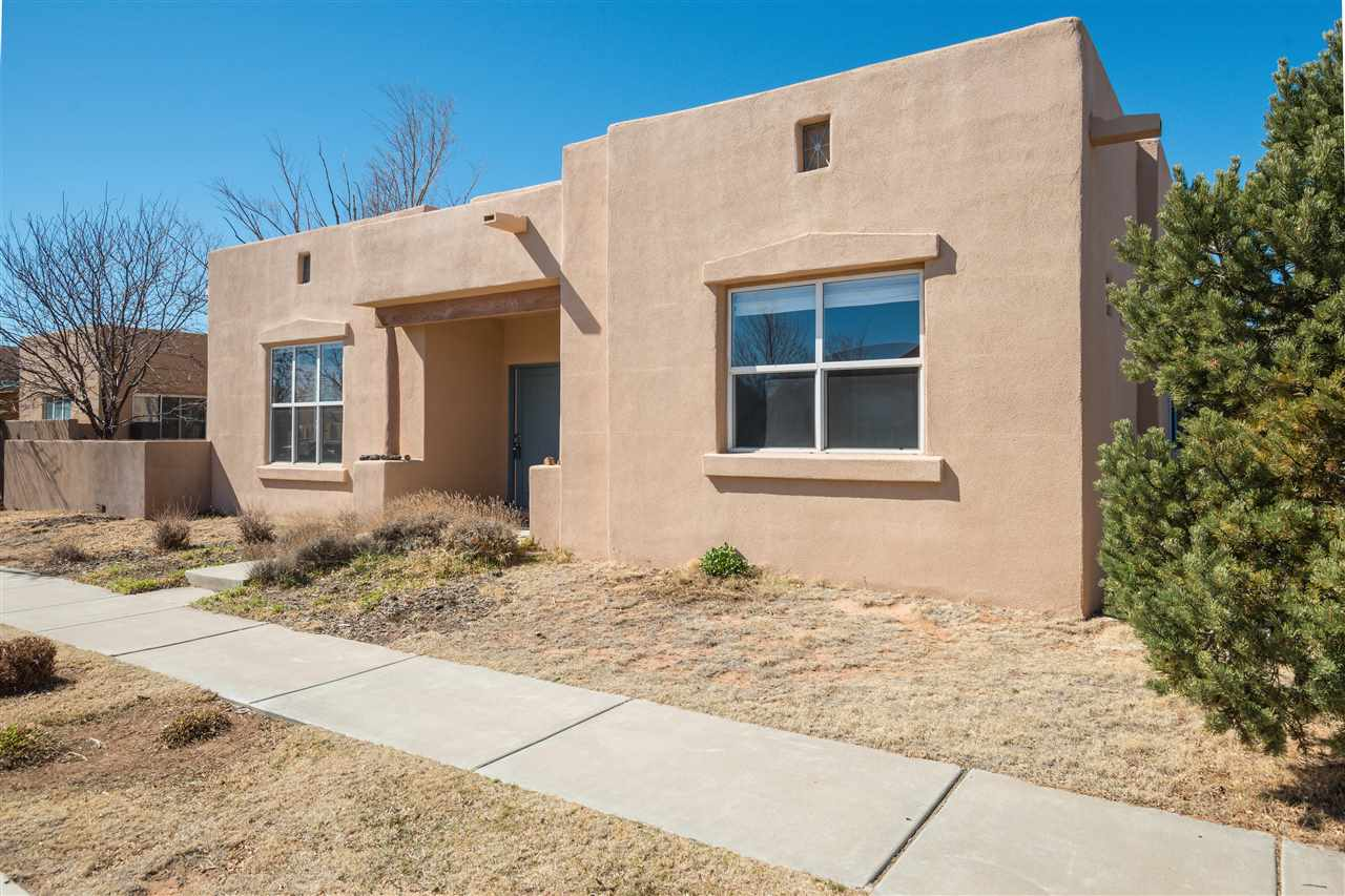 2 Red Thorn Place, Santa Fe, NM 87508