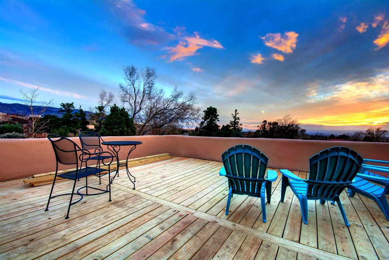 354 Whiteoaks Dr NE, Albuquerque, NM 87122