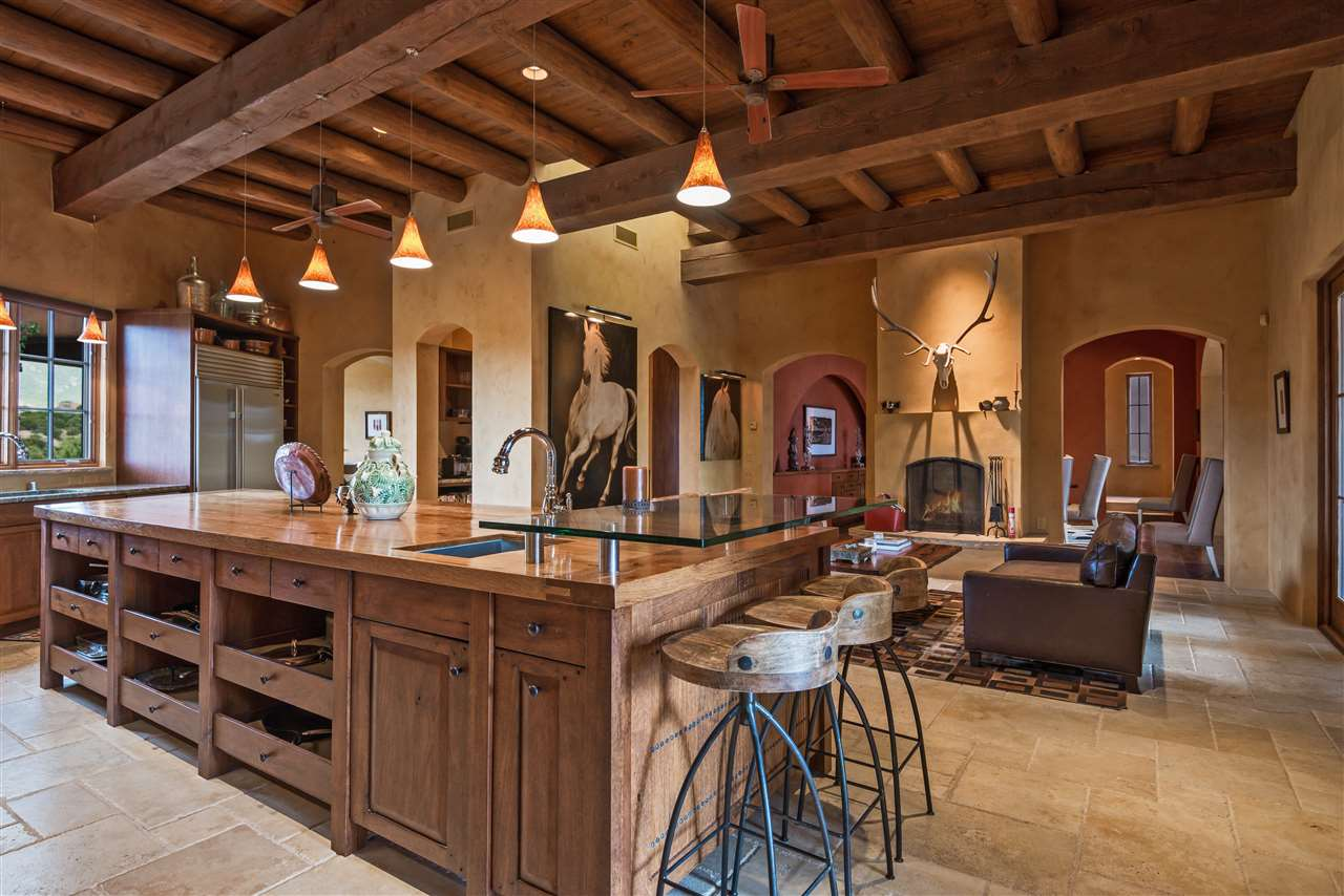 35 Vista Hermosa, Santa Fe, NM 87506