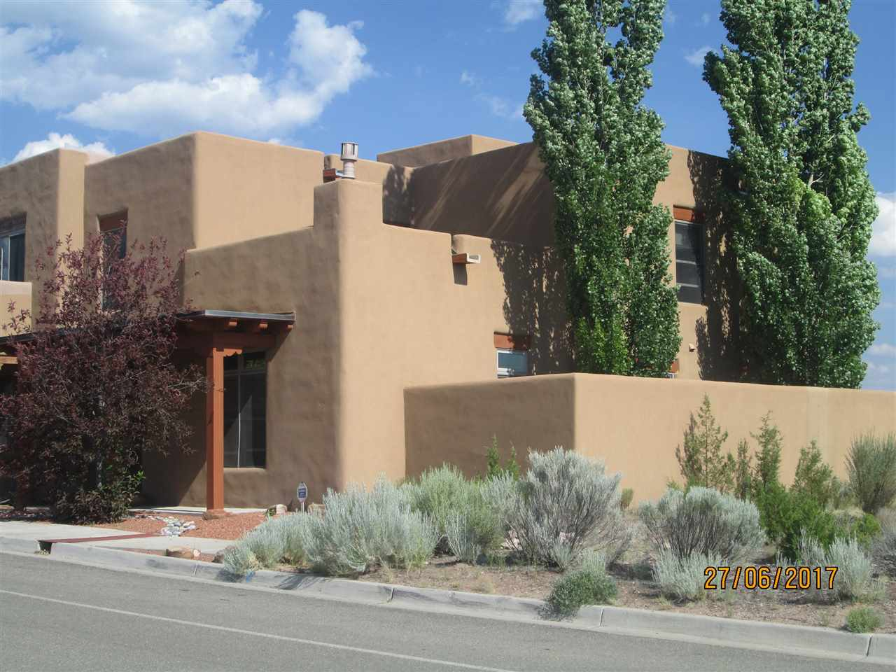 22 E Via Plaza Nueva, Santa Fe, NM 87507