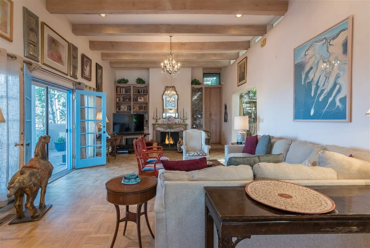 145 Brownell Howland Rd, Santa Fe, NM 87501