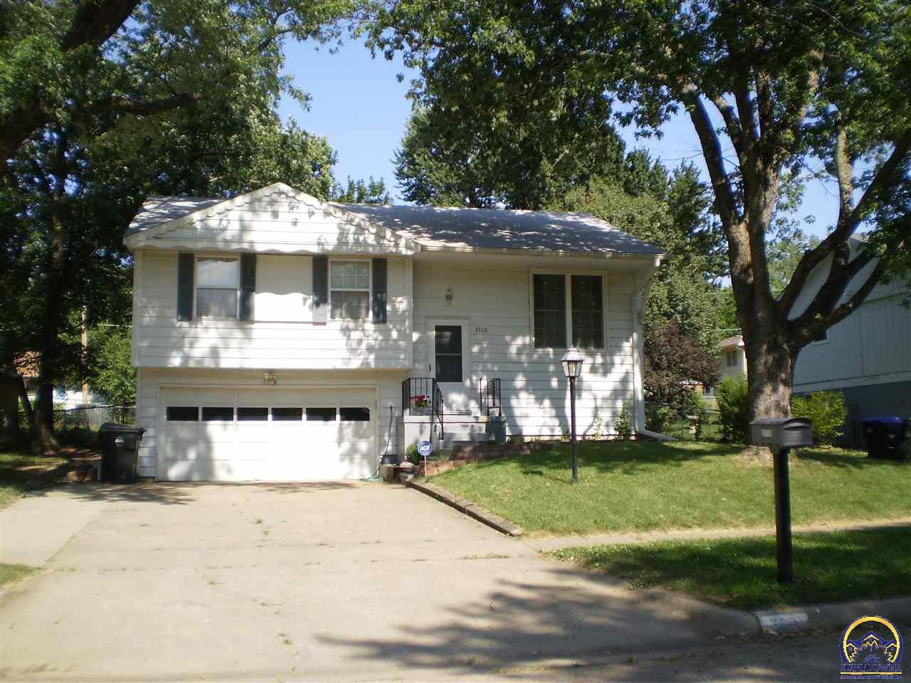 Sunflower realtors formerly topeka area homes for Topeka home builders
