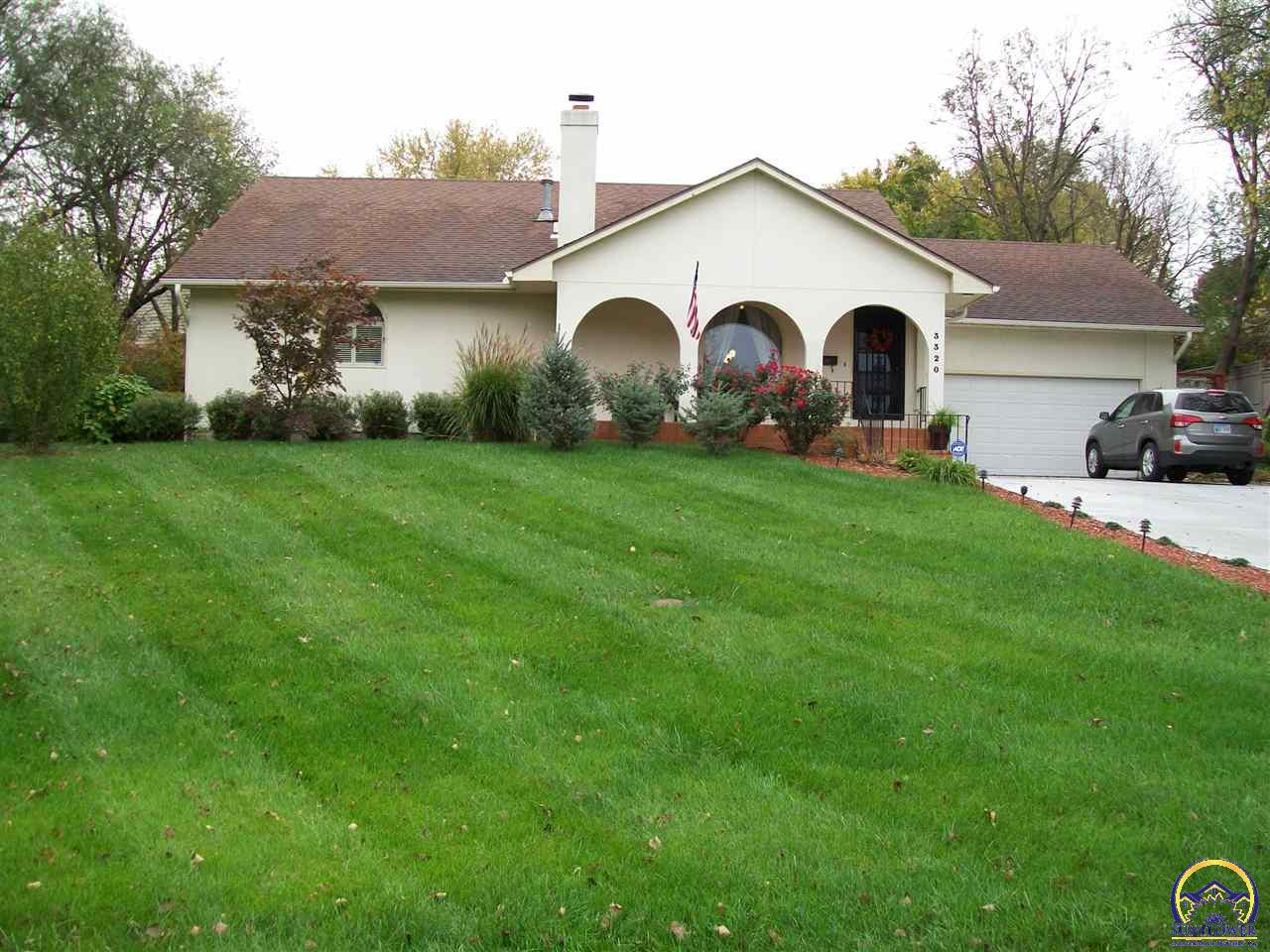Topeka real estate 3320 sw macvicar ave listing 192327 for Topeka home builders