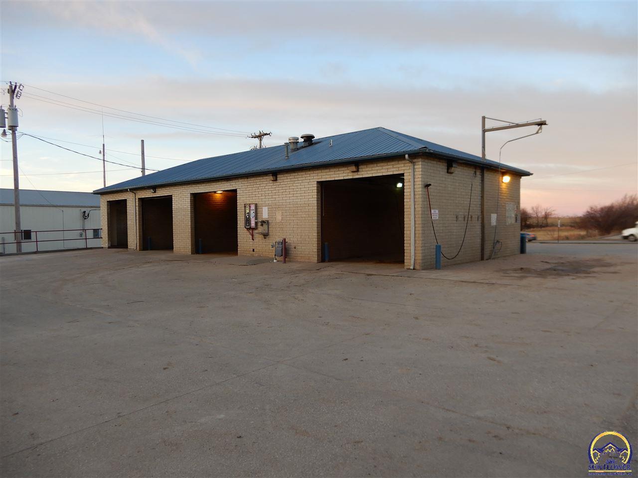 104 Arizona, Holton, KS 66436