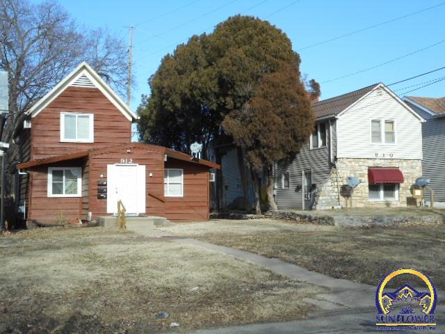 910 and 912 SW 8th Ave, Topeka, KS 66606