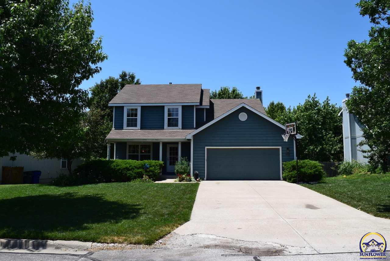 2709 Bluestem Dr, Lawrence, KS 66047