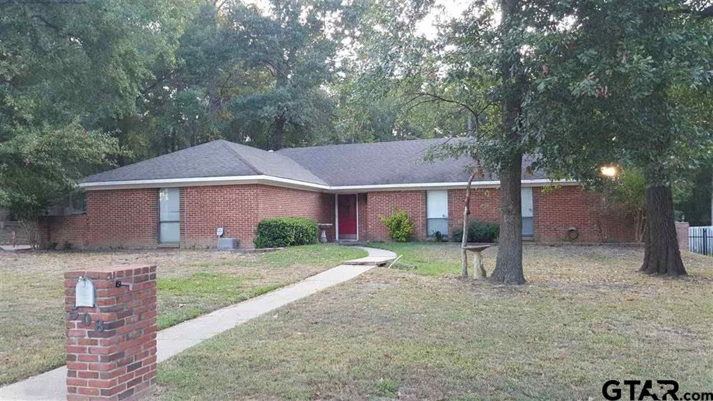 508 Brookhollow, White Oak, TX 75693