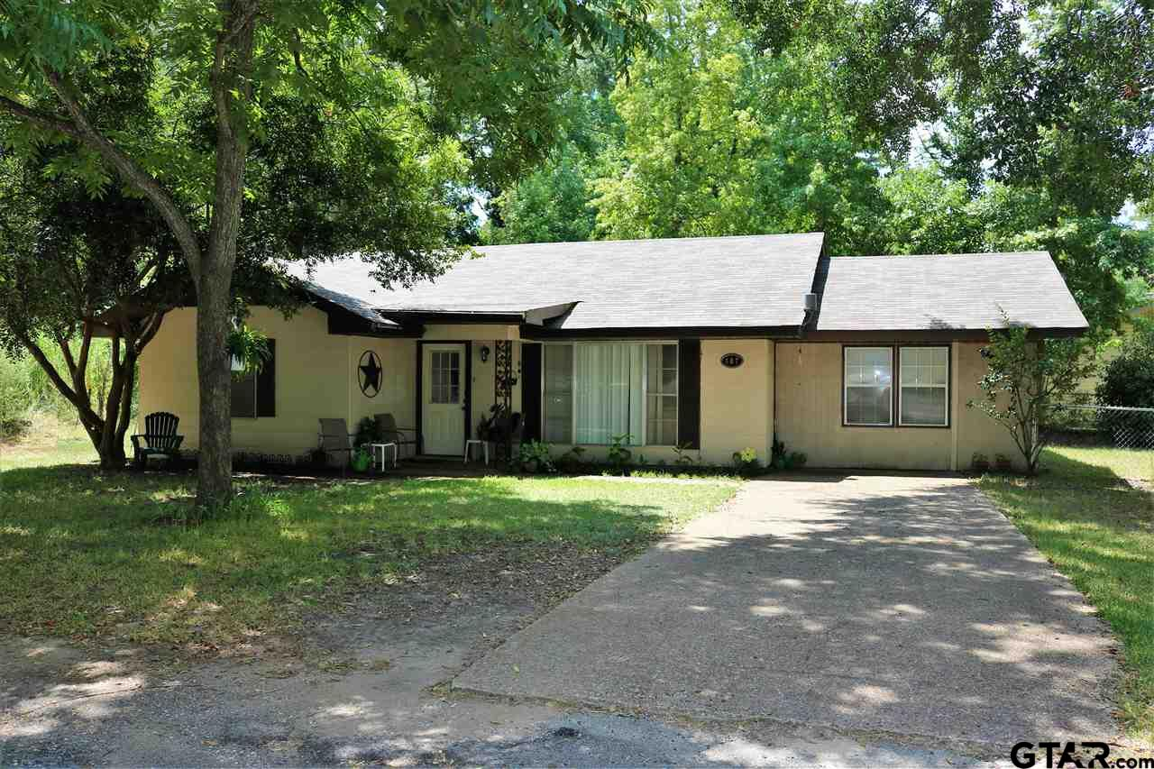 407 W Henderson, Overton, TX 75684
