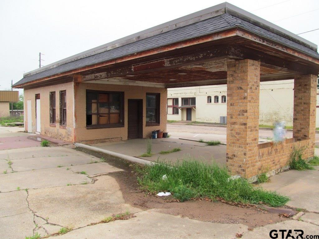 400 N Main, Winnsboro, TX 75494