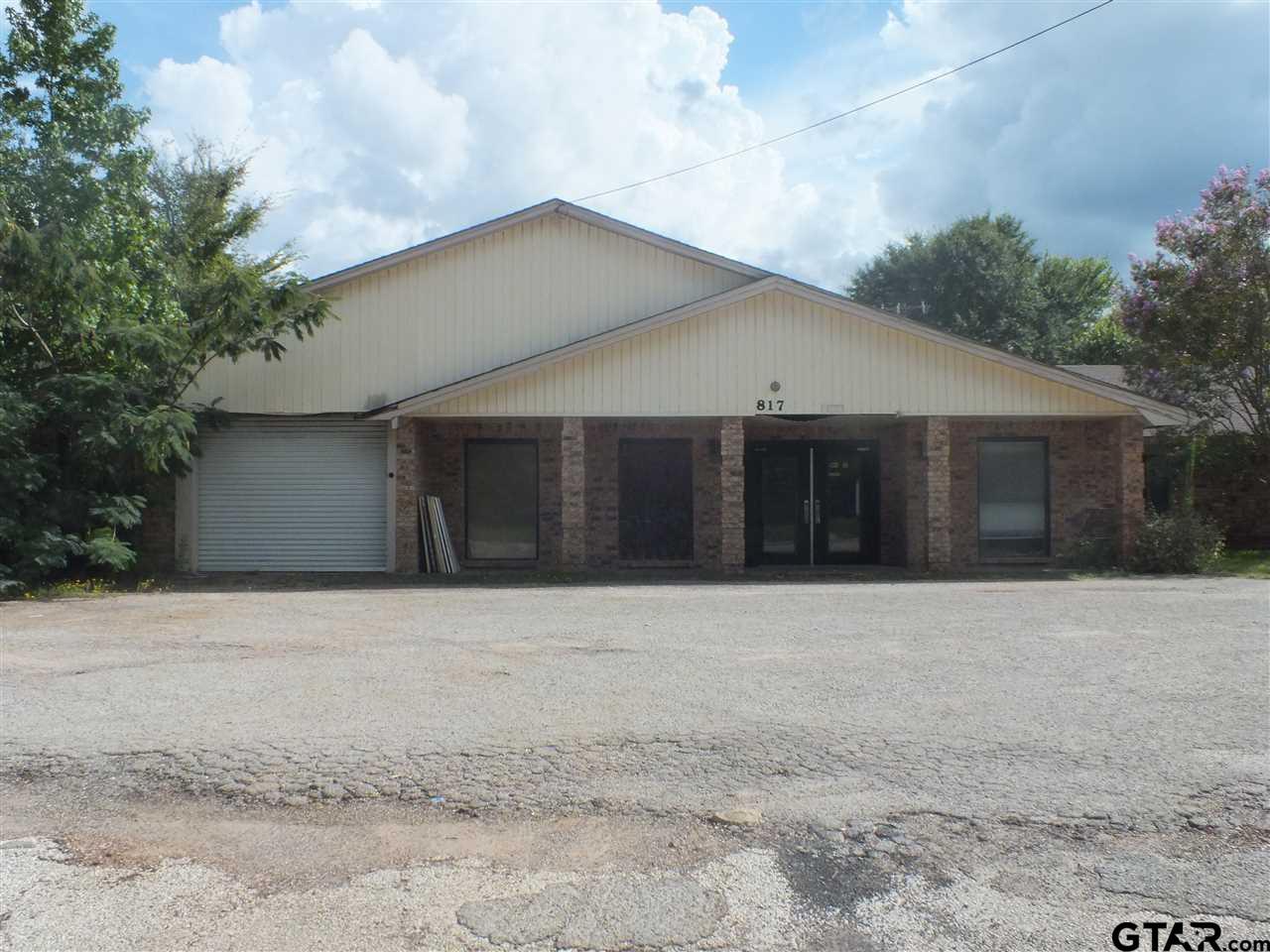 817 W Sixth Street, Rusk, TX 75785